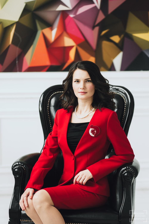 Деловой бизнес портрет: профессиональная фотосессия в Москве. Имидж Компании