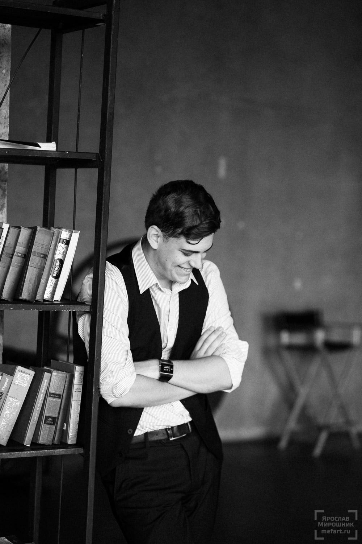 мужская фотосессия в студии в москве