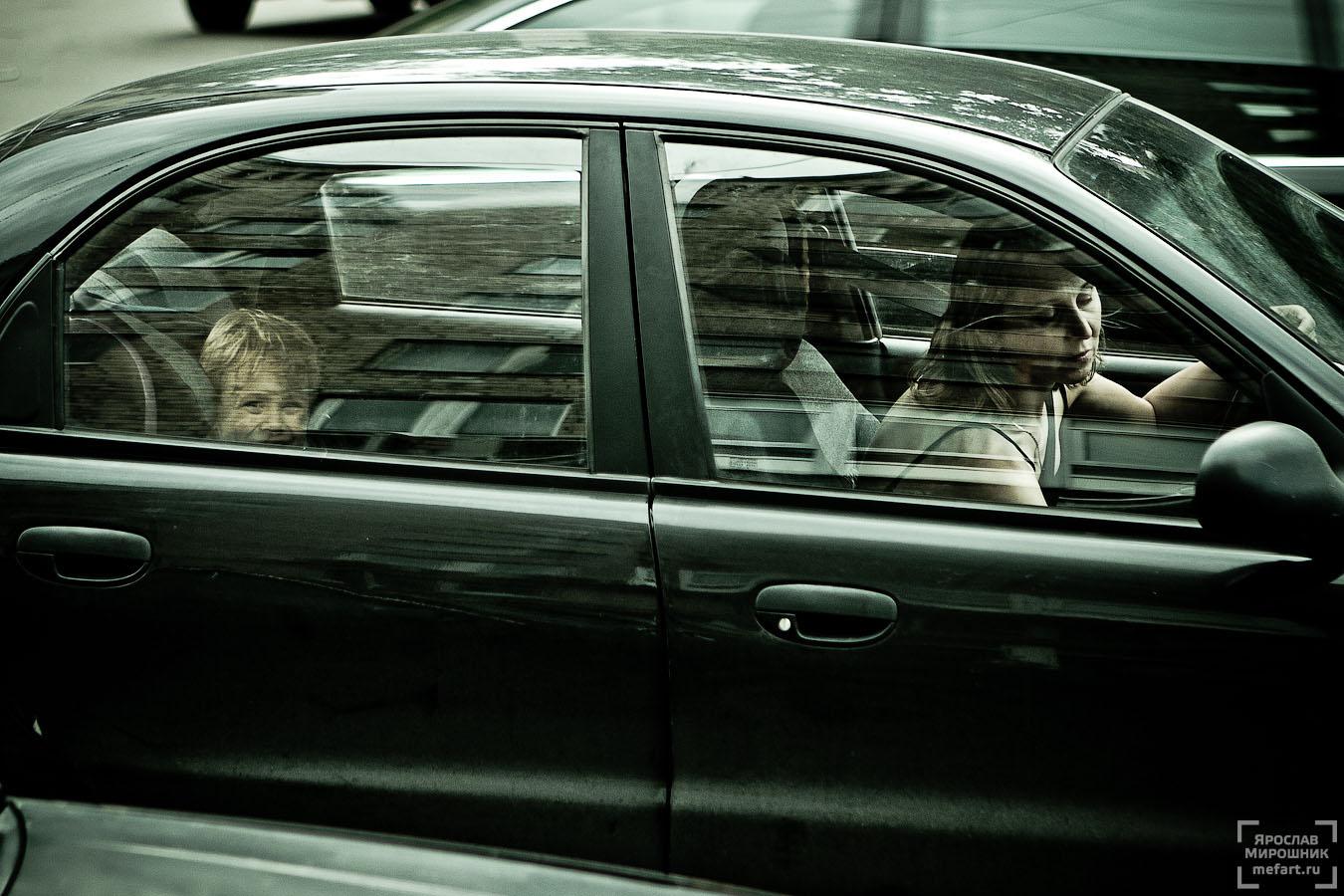 мама и ребенок в автомобиле фото